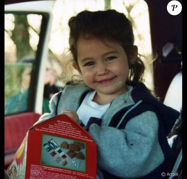 Miley Cyrus, étant enfant.