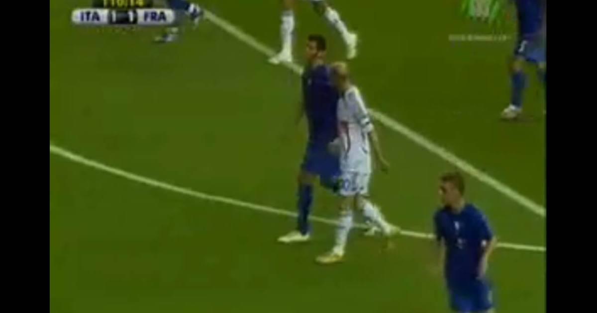 La vid o de zin dine zidane donnant un coup de boule l 39 italien marco materazzi en finale de la - Musique coupe du monde 2006 ...