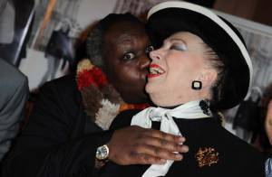 Quand Magloire met le grappin sur Geneviève de Fontenay... Bénabar n'en croit pas ses yeux !