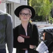 Kelly Osbourne : Même sans son amoureux, elle a la belle vie, mince et bien dans son look...