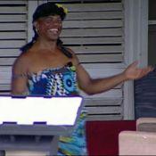"""La  Ferme Célébrités en Afrique : Regardez Francky en fausse """"Pin-Up""""... pendant que Greg, David et Mickaël se rapprochent !"""