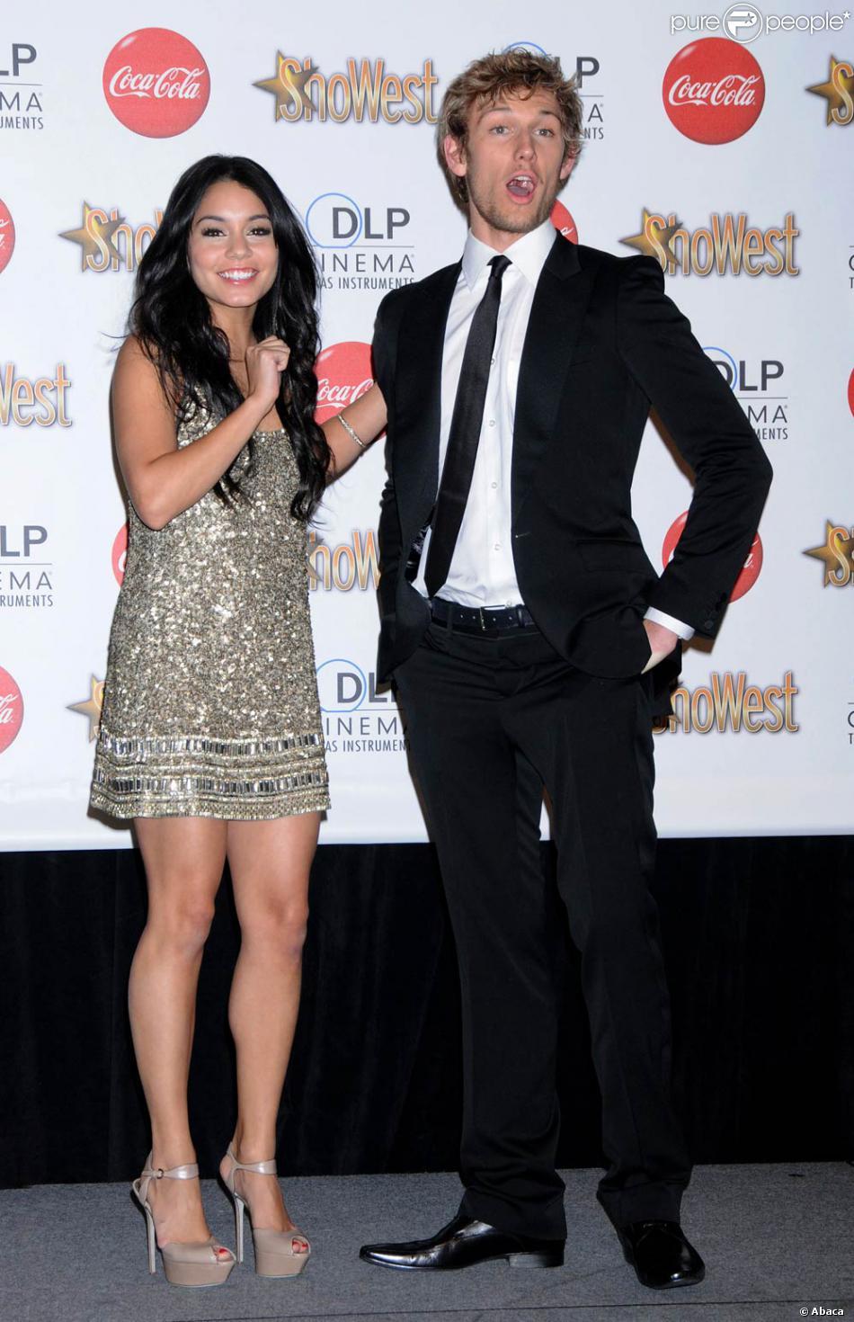 Connu Vanessa Hudgens et Alex Pettyfer à l'occasion de la soirée de  YQ67