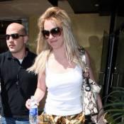 Britney Spears : avec ou sans Jason, elle garde le sourire... mais aurait besoin d'un bon coup de peigne !
