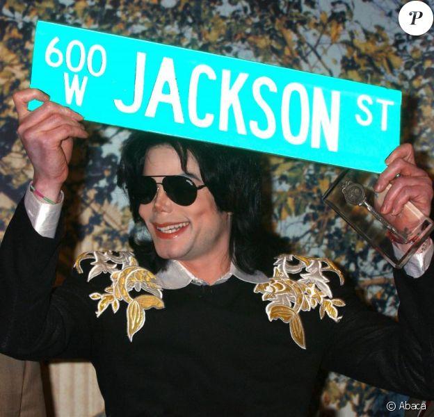 Michael Jackson, victime d'une surdose médicamenteuse ?