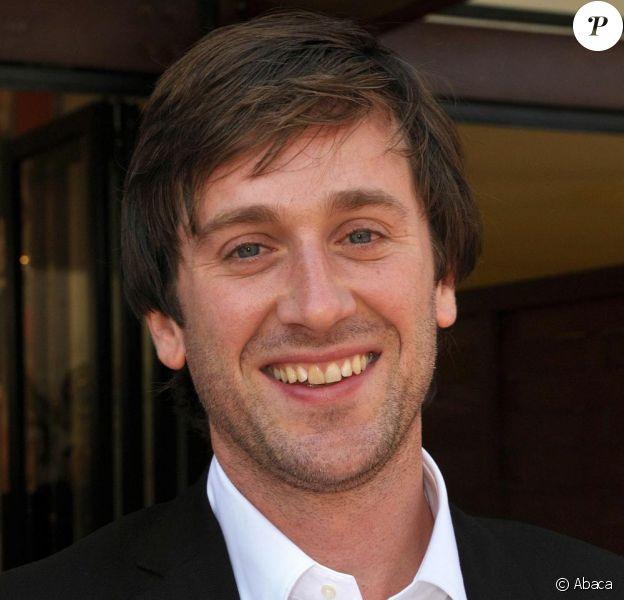 Thomas Dutronc a signé la musique du générique de fin du prochain film de Dominique Farrugia, L'Amour c'est mieux à deux, dans les salles le 5 mai.