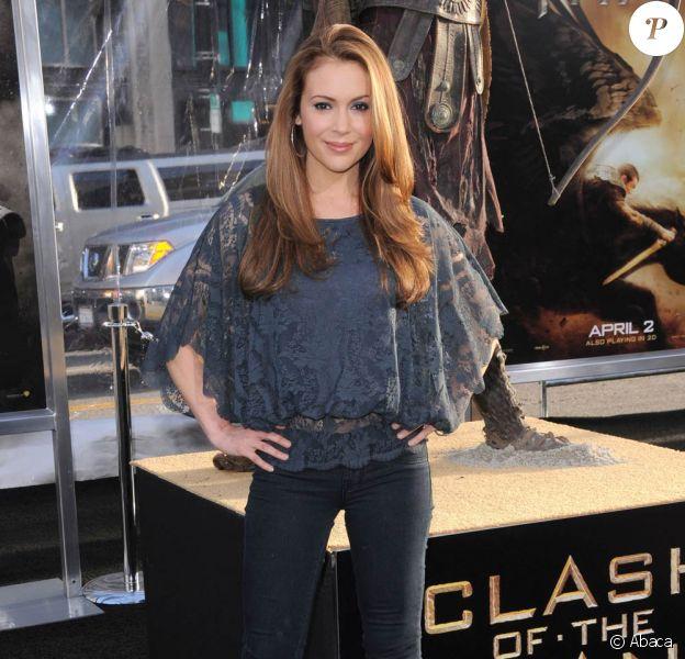 Alyssa Milano, à l'occasion de l'avant-première américaine du Choc des Titans, qui s'est tenue au Graumann's Chinese Theatre d'Hollywood, à Los Angeles, le 31 mars 2010.