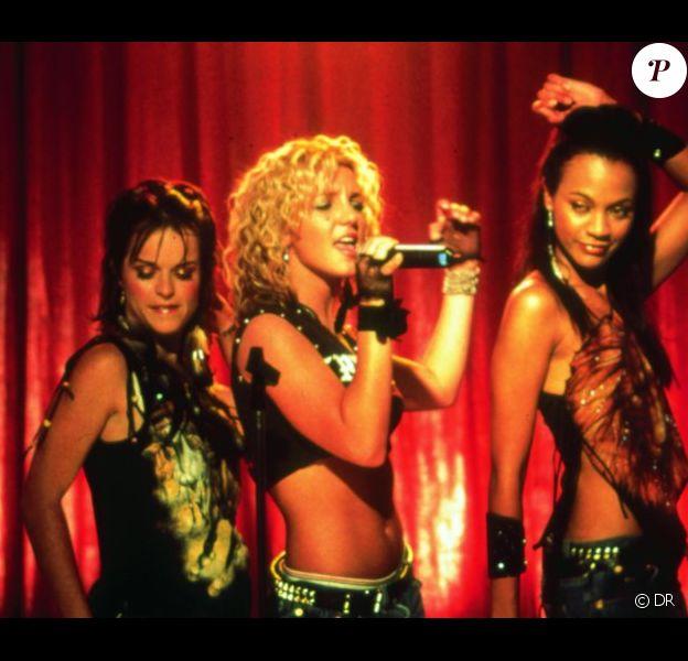 C'est dans le film Crossroads, sorti en France le 3 avril 2002, que Zoe Saldana faisait ses premiers pas au cinéma aux côtés de Britney Spears.