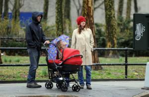 Les stars Emily Mortimer et Alessandro Nivola en famille... vous présentent leur nouveau bébé !