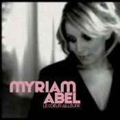 """Myriam Abel fait son grand retour : écoutez """"Le Coeur est ailleurs"""", le single qu'elle nous promet depuis... trois ans !"""