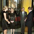 Le prince Albert et Charlene accueillent les invités à l'entrée de  l'exposition privée Grace Kelly : Style Icon, le 15/04/2010.