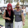 Melanie Griffith and Michael Des Barres lors du deuxième jour du Festival Coachella en Californie le 17 avril 2010