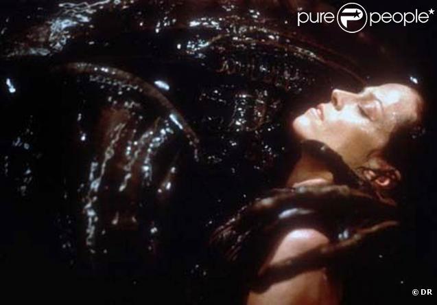 Des images d' Alien , avec la grande Sigourney Weaver.