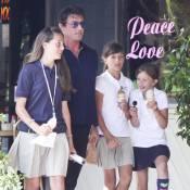 Sylvester Stallone, l'un des plus gros bras d'Hollywood, se transforme... en papa-poule avec ses filles !