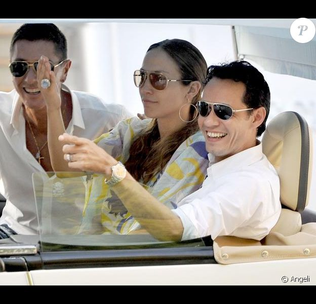 Jennifer Lopez et Marc Anthony sur leur bateau en 2009
