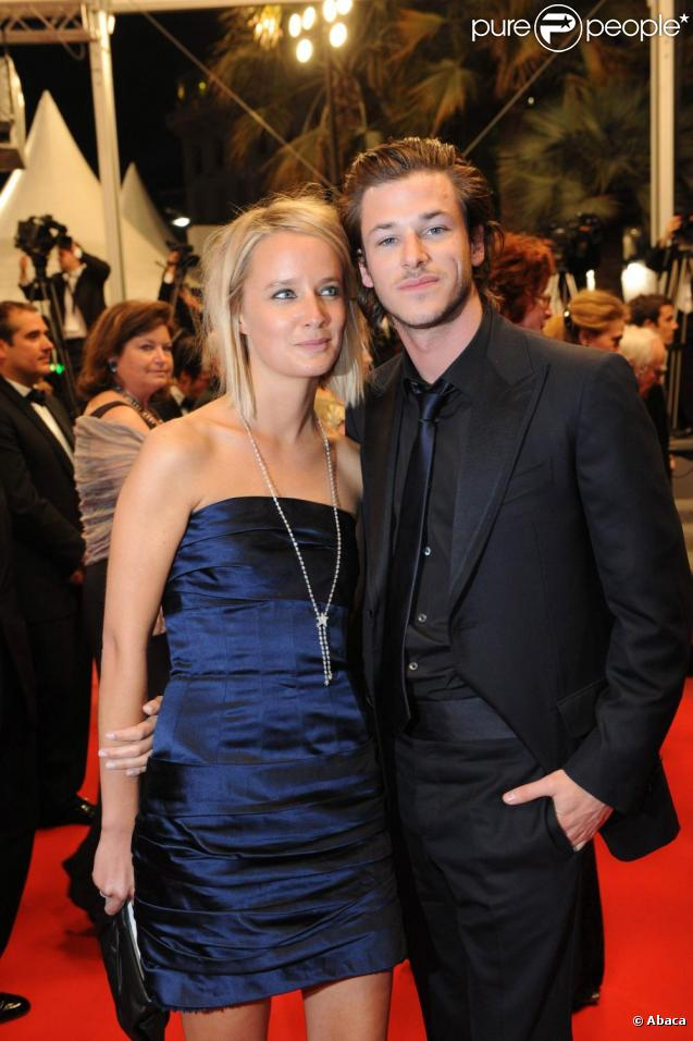 gaspard ulliel et jordane crantelle sur le tapis rouge l 39 occasion de la projection du film la. Black Bedroom Furniture Sets. Home Design Ideas