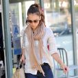 Jessica Alba est indéniablement l'une des beautés d'Hollywood, mais son style commence tout juste à se révéler... Enfin !