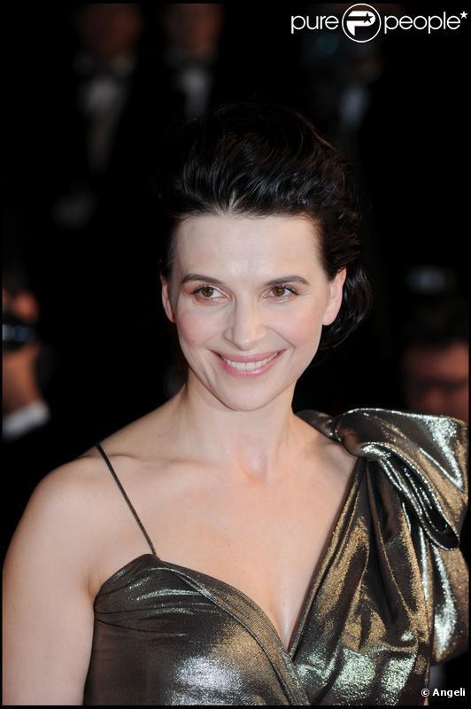Juliette Binoche à Cannes pour présenter Copie Conforme (2010)
