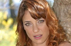 Emma Colberti, la bombe de Jamais deux sans toi n'a pas besoin de doublure... pour un strip-tease !