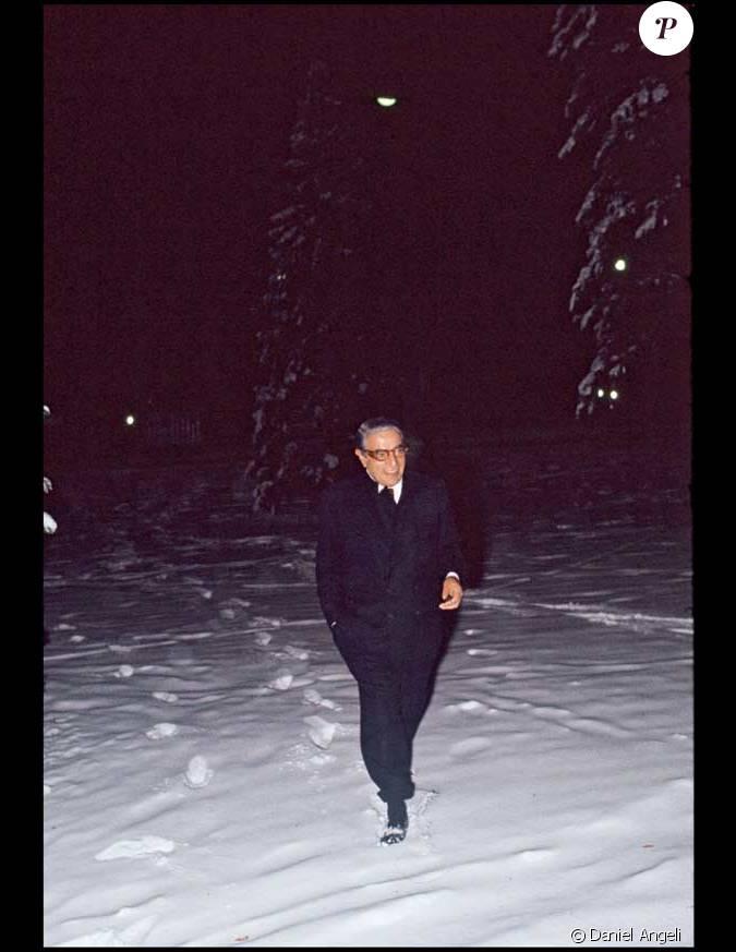 aristote onassis qui adorait se promener seul dans paris