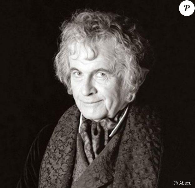 Ian Holm incarnait Bilbo dans la trilogie du Seigneur des Anneaux...