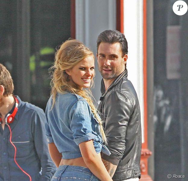 Tournage du clip Misery de Maroon 5 avec Adam Levine et sa copine Anne Vyalitsyna, mai 2010