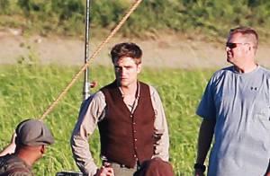 Robert Pattinson en mode gentleman farmer ? C'est juste pour son nouveau film !