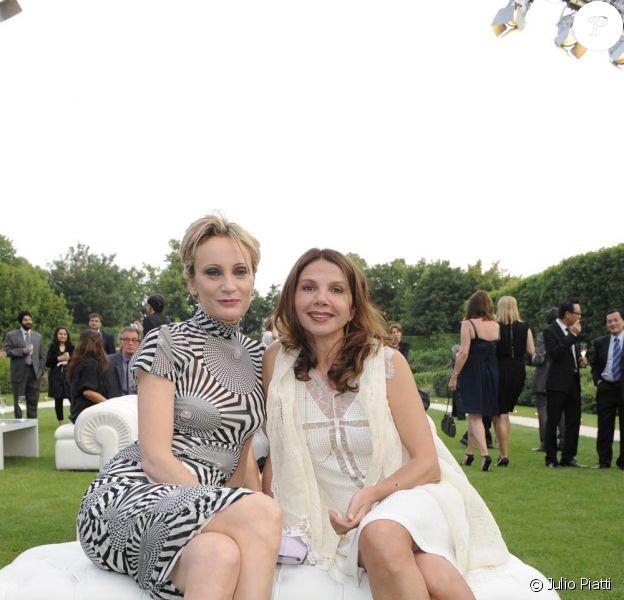 Patricia Kaas et Victoria Abril lors du dîner Longines le samedi 5 juin 2010 dans les jardins du Musée Rodin