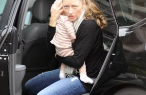 Rebecca Gayheart : Première sortie avec son adorable bébé ! La jeune maman assure !
