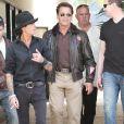 Arnold Schwarzenegger se la joue top Gun (12 juin 2010 à Los Angeles)