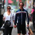 Matthew McConaughey se promène avec sa compagne la sublime Brésilienne Camila Alves dans le quartier de Tribeca à New York le 14 juin 2010