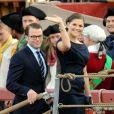 Le 16 juin, trois jours avant leur mariage historique, Victoria de Suède et Daniel Westling, en compagnie du roi Carl Gustaf, de la reine Silvia, du prince Carl Philip et de la princesse Madeleine, répétaient leur excursion en bateau...
