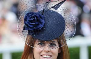 Les princesses Eugenie et Beatrice délirantes et un festival de chapeaux époustouflants pour le plaisir de la reine et de Joan Collins !