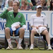 Martina Hingis : Après l'annulation de son mariage, elle retrouve le sourire avec le... Big Mac !