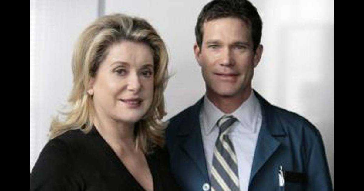 catherine deneuve et dylan walsh dans nip tuck. Black Bedroom Furniture Sets. Home Design Ideas