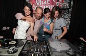 La ravissante Charlotte le Grix de la Salle en mode DJette glamour... fête son anniversaire avec ses copines !