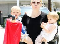 Les enfants de Kelly Rutherford ne veulent pas quitter les bras de leur maman... Et on comprend pourquoi !