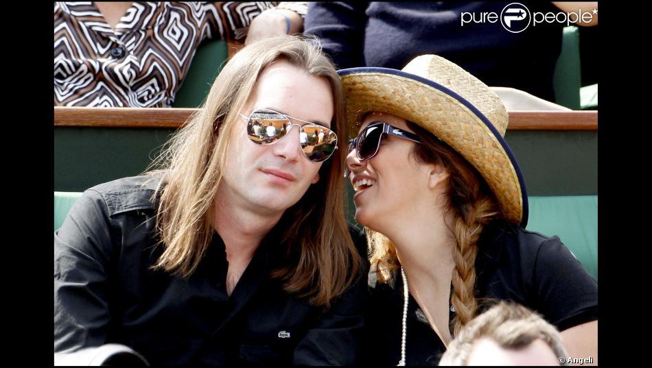 H l ne s gara et son mari mathieu lecat roland garros le 2 juin 2010 - Helene darroze et son mari ...