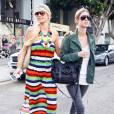 Paris et Nicky Hilton à Los Angeles, le 28 juin 2010