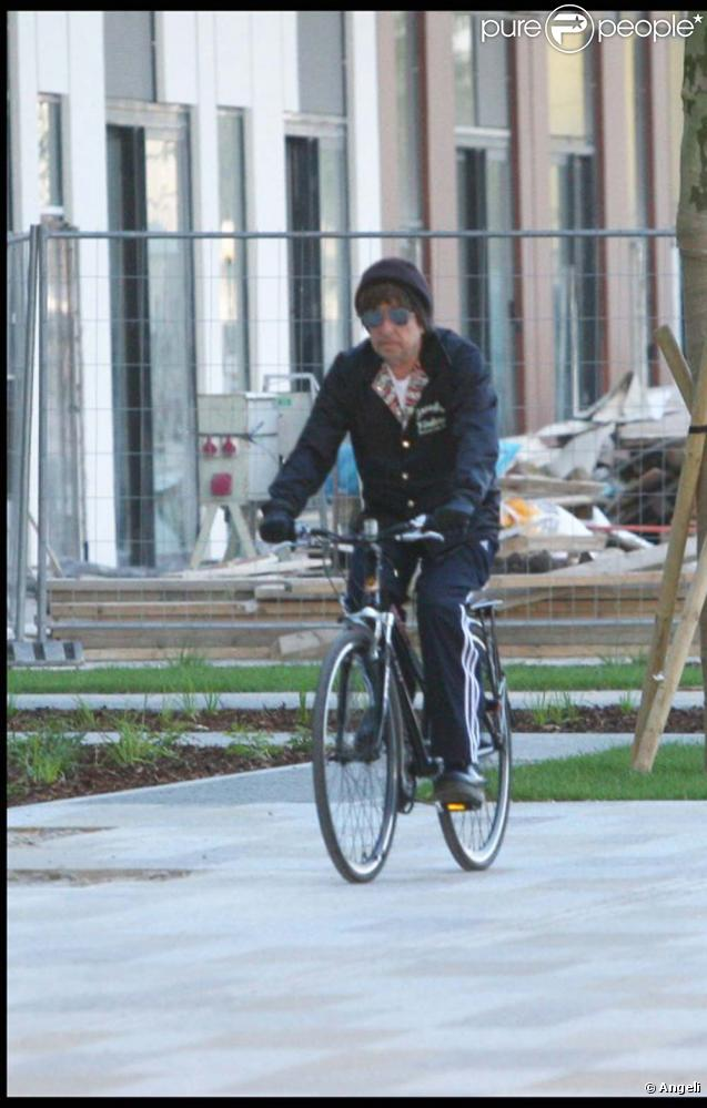 Bob Dylan à vélo dans les rues de Bratislava, juin 2010