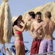 Channing Tatum et sa feme Jenna Dewan profitent du soleil à Ischia en Italie le 13 juillet 2010