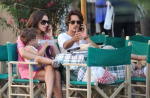 Asia Argento, entourée de son mari et ses deux enfants, nage dans un bonheur rose bonbon !