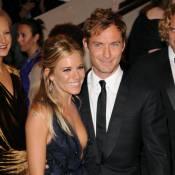 Sienna Miller et Jude Law : Plus amoureux que jamais sur la plage, c'est le festival de bisous !