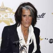 Joe Perry : Le dandy guitariste d'Aerosmith victime d'un accident de voiture !