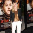 Kristen Bell a succombé à la mode du pantalon blanc