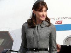 PHOTOS : Carla Bruni-Sarkozy en Angleterre, un magnifique défilé de mode à elle toute seule...