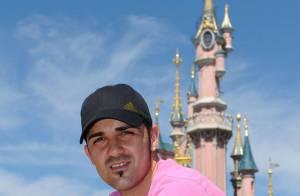 David Villa : Le champion du monde espagnol ne vous rappelle pas... une star de la télé française ?