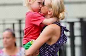 Naomi Watts : Son adorable fils aîné, elle pourrait... le croquer !