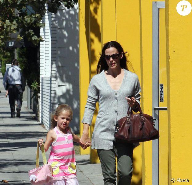Jennifer Garner et sa petite Violet (4 août 2010 à Los Angeles)