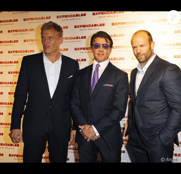 Dolph Lundgren, Sylvester Stallone et Jason Statham lors de l'avant-première du film The Expendables le 5 août 2010 à Paris au Grand Rex