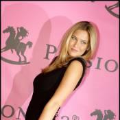 Bar Refaeli : le top model, en bikini avec son amoureux, a évincé une Naomi Campbell en plein scandale